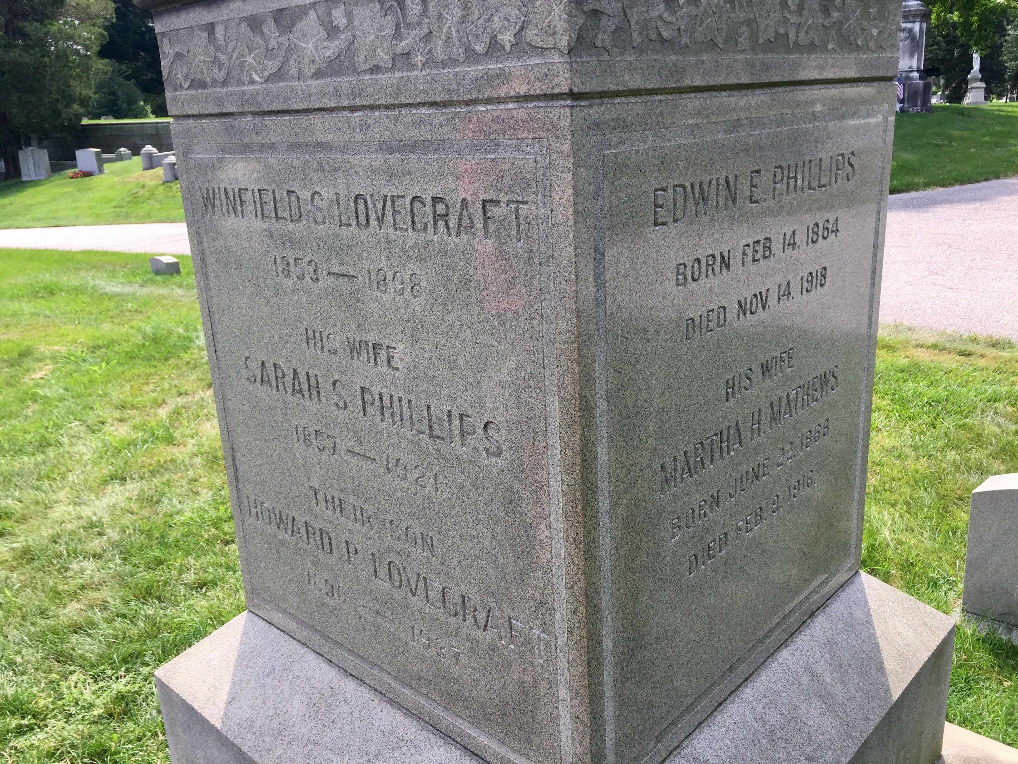 The Lovecraft Obelisk